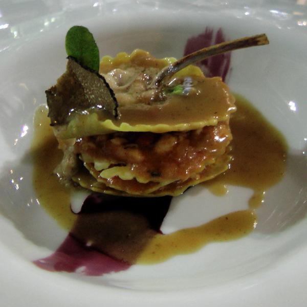 Lasagnetta di pasta croccante con ragout